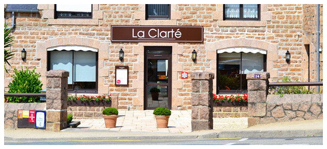 Devanture du restaurant La Clarté