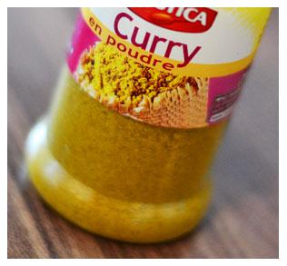 3 cuillères à café de curry
